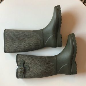 Banana republic Glasgow rain boots herringbone